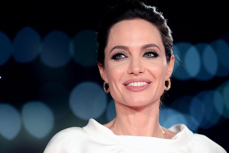 прогуглили: скарлетт йоханссон названа самой красивой женщиной в мире