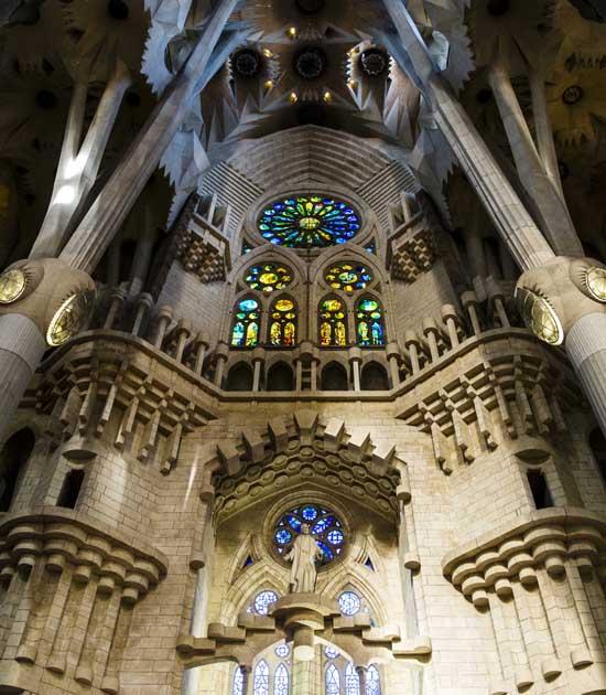 Церковь Sagrada Familia в Барселоне