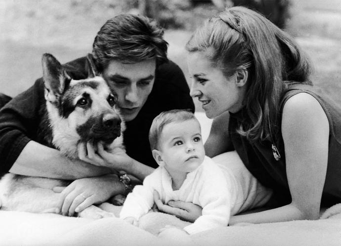 Ален Делон с супругой Натали и сыном Энтони