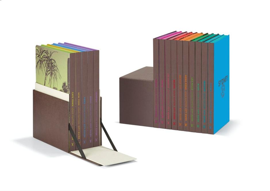 Вокруг света: Louis Vuitton дополнил коллекцию путеводителей