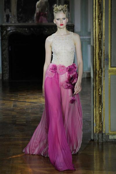 Показ Ulyana Sergeenko на Неделе высокой моды | галерея [1] фото [1]