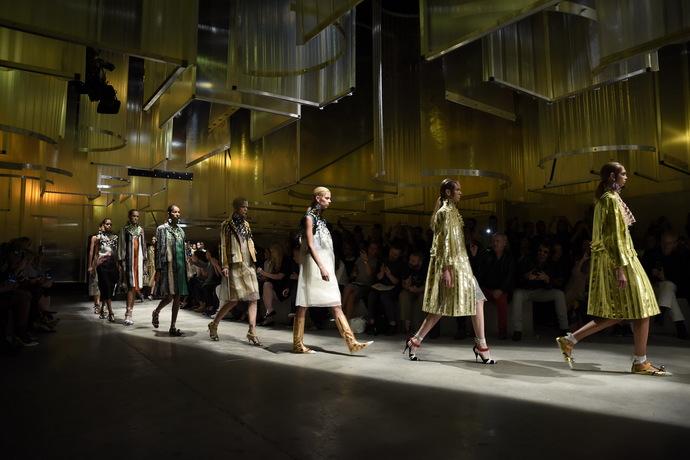 Показ Prada в Милане