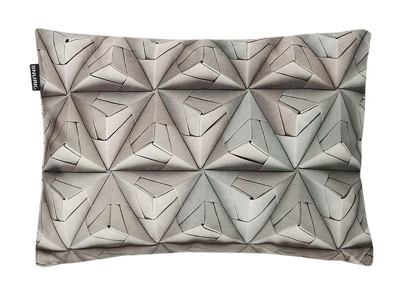 Подушка Geogami, печать с трехмерным эффектом, компания Urban Сuckoo.co.uk.
