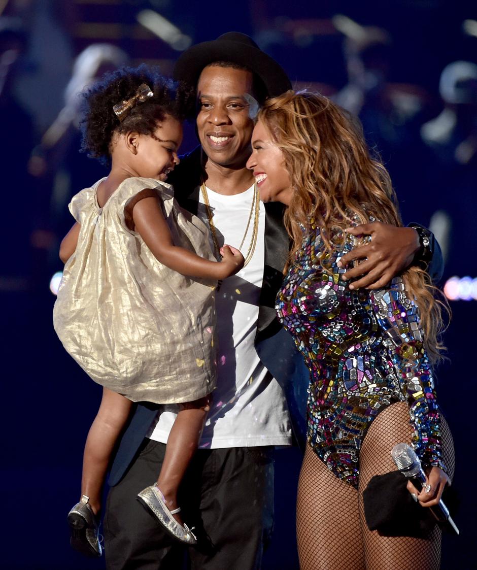 Родительский долг: Бейонсе и Джей Зи переехали в Лос-Анджелес ради дочери