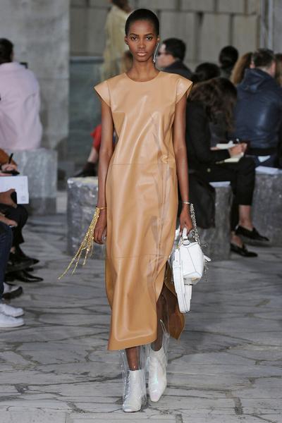 Неделя моды в Париже: день четвертый | галерея [1] фото [12]