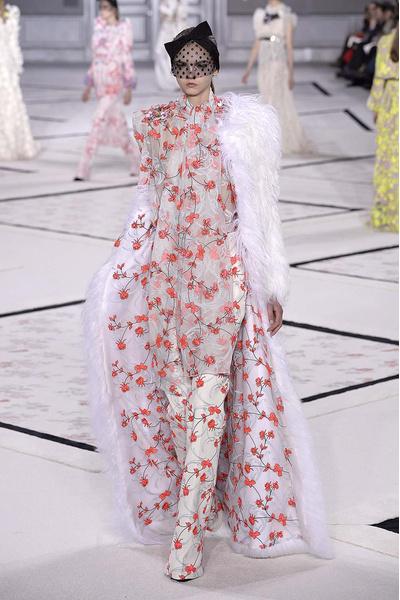 Показ Giambattista Valli Haute Couture | галерея [1] фото [15]