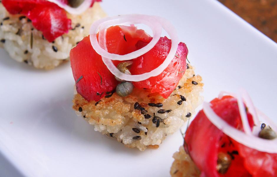 Жареные суши-шарики с начинками