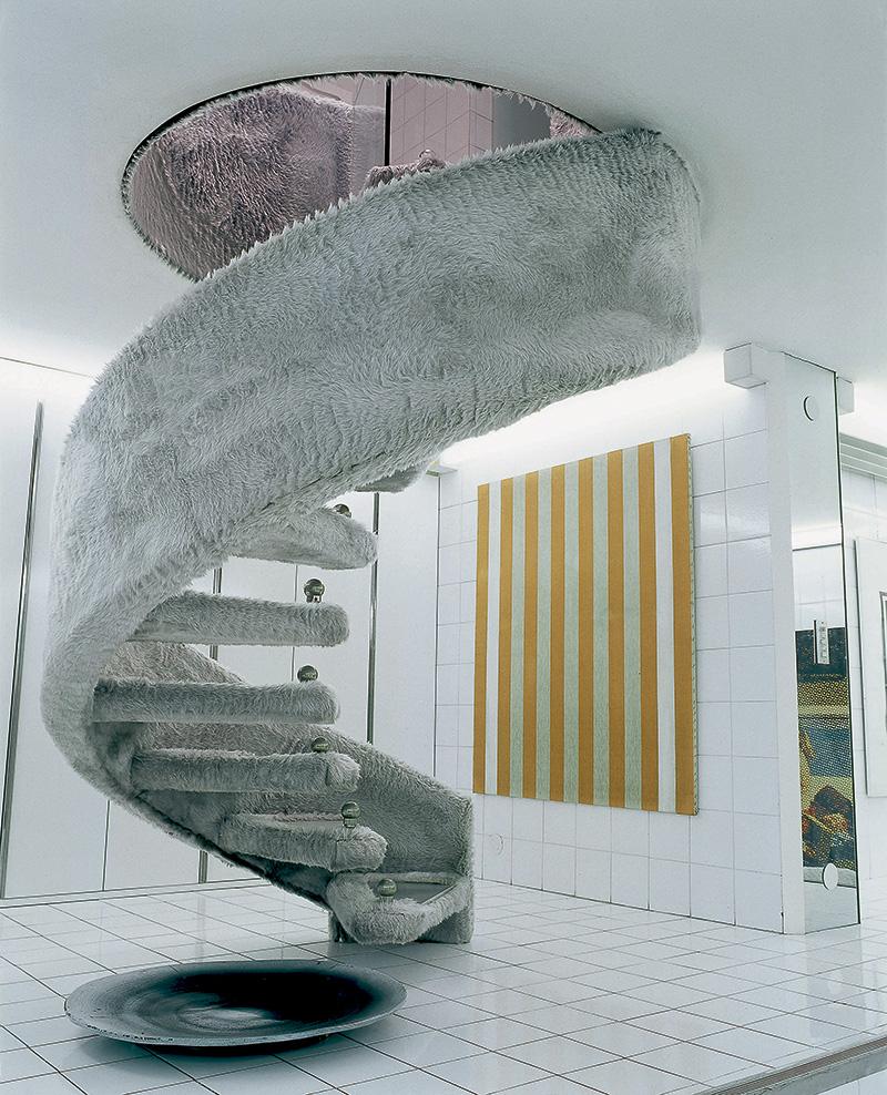 Дом, оформленный легендарным дизайнером Джо Понти в Мало в 1969 году. Интерьер построен на сочетании искусственного меха и белой керамической плитки.