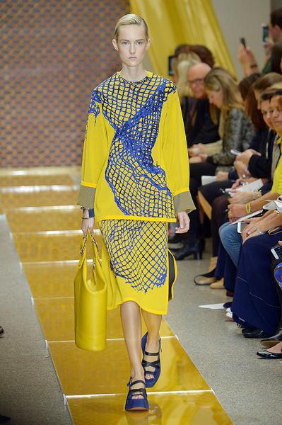 Неделя моды в Милане: день третий   галерея [2] фото [1]
