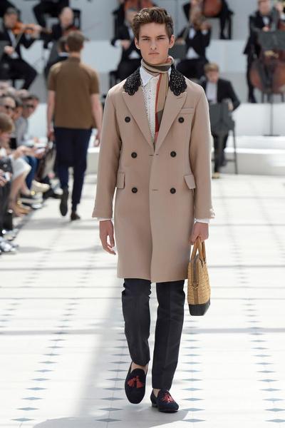 Показ Burberry Prorsum на Неделе мужской моды в Лондоне | галерея [2] фото [16]