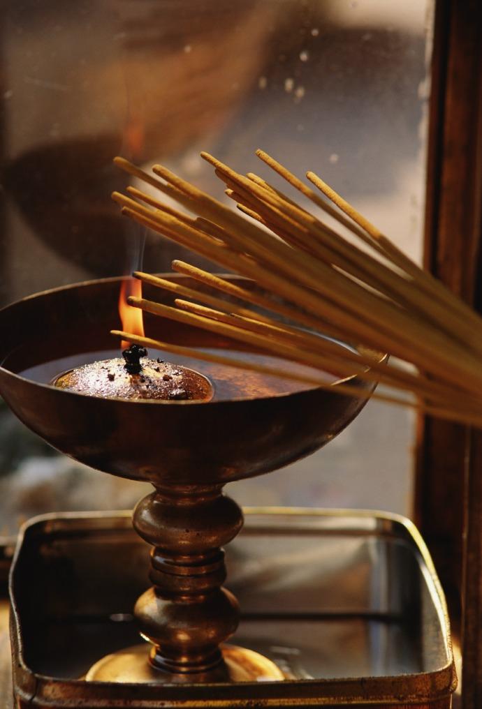 ароматная история: от клеопатры до мадонны
