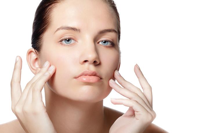 Чистка лица в салоне: плюсы и минусы разных видов