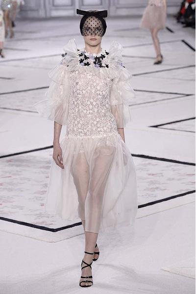 Показ Giambattista Valli Haute Couture | галерея [1] фото [14]