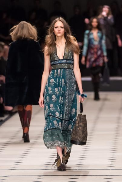 Показ Burberry Prorsum на Неделе моды в Лондоне | галерея [1] фото [20]