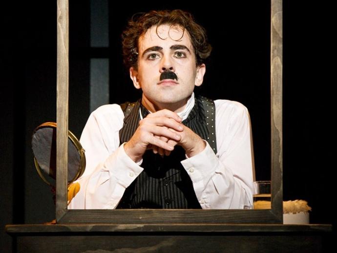Роб Макклюр в мюзикле «Чаплин»