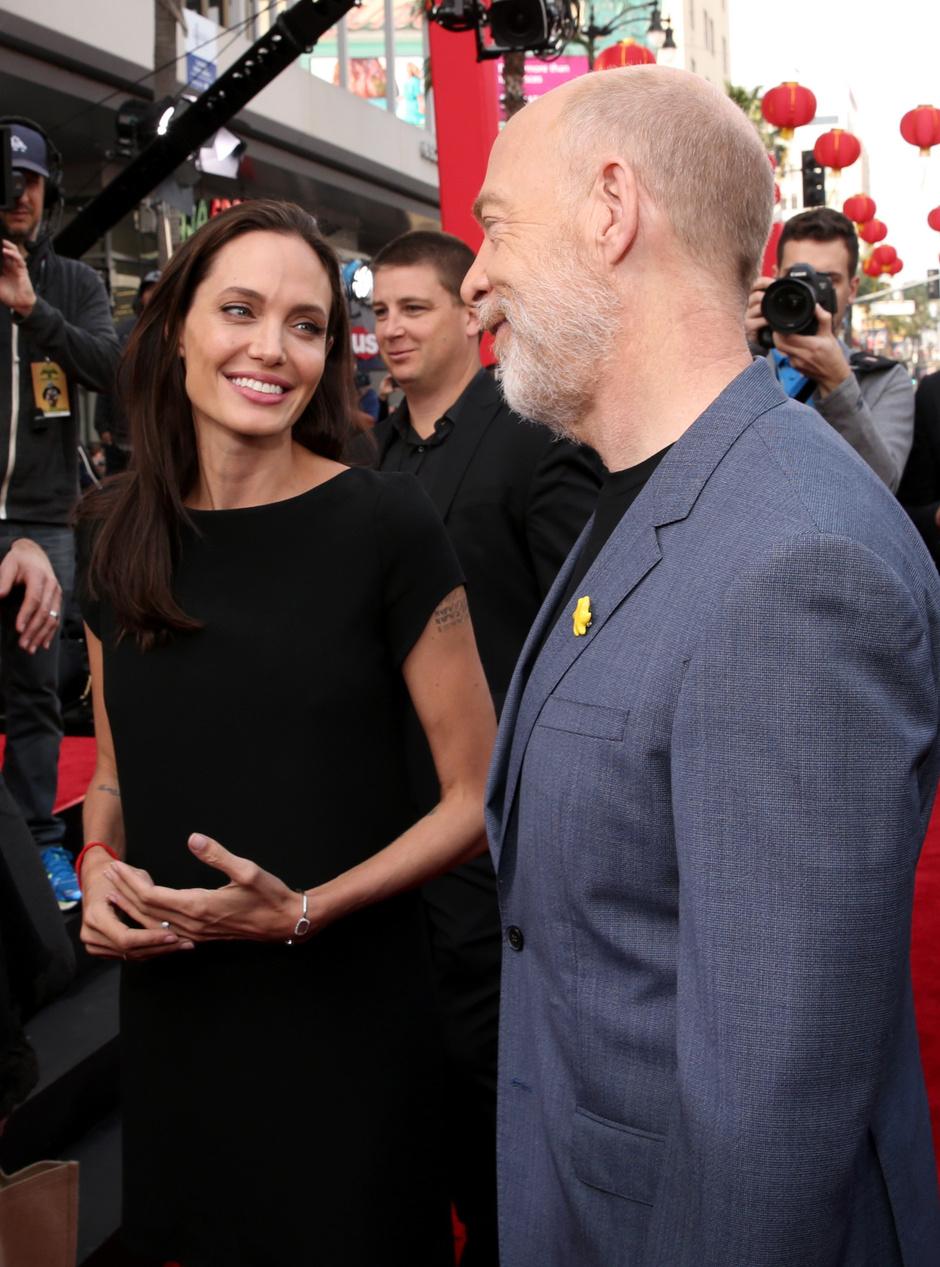 Дж. К. Симмонс и Анджелина Джоли