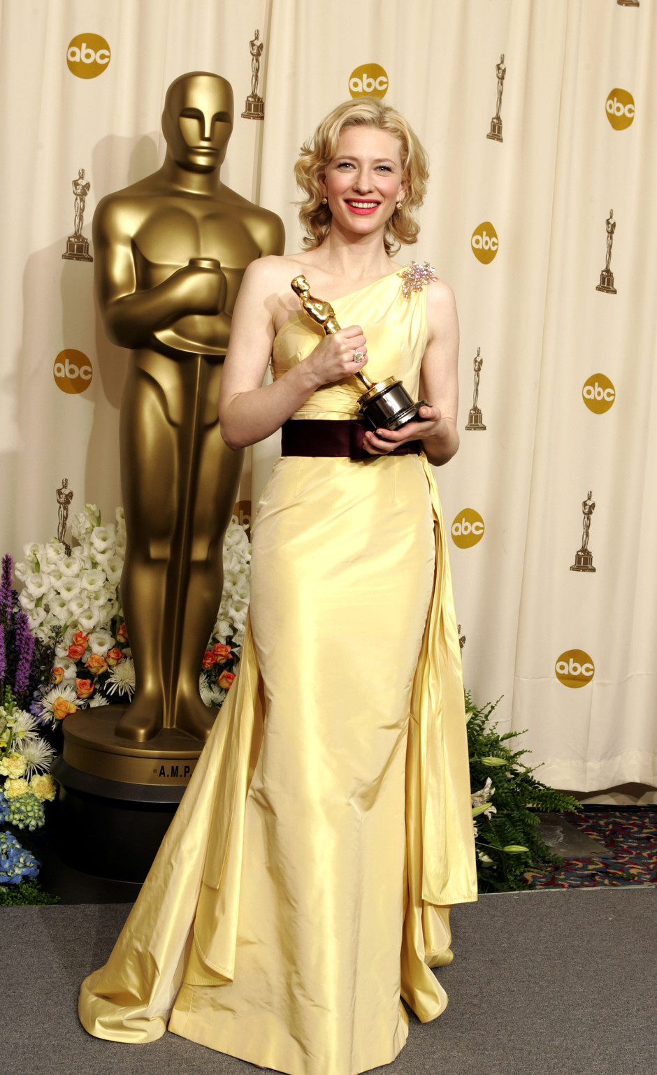 Кейт Бланшетт на церемонии вручения кинонаград «Оскар», 2005 год