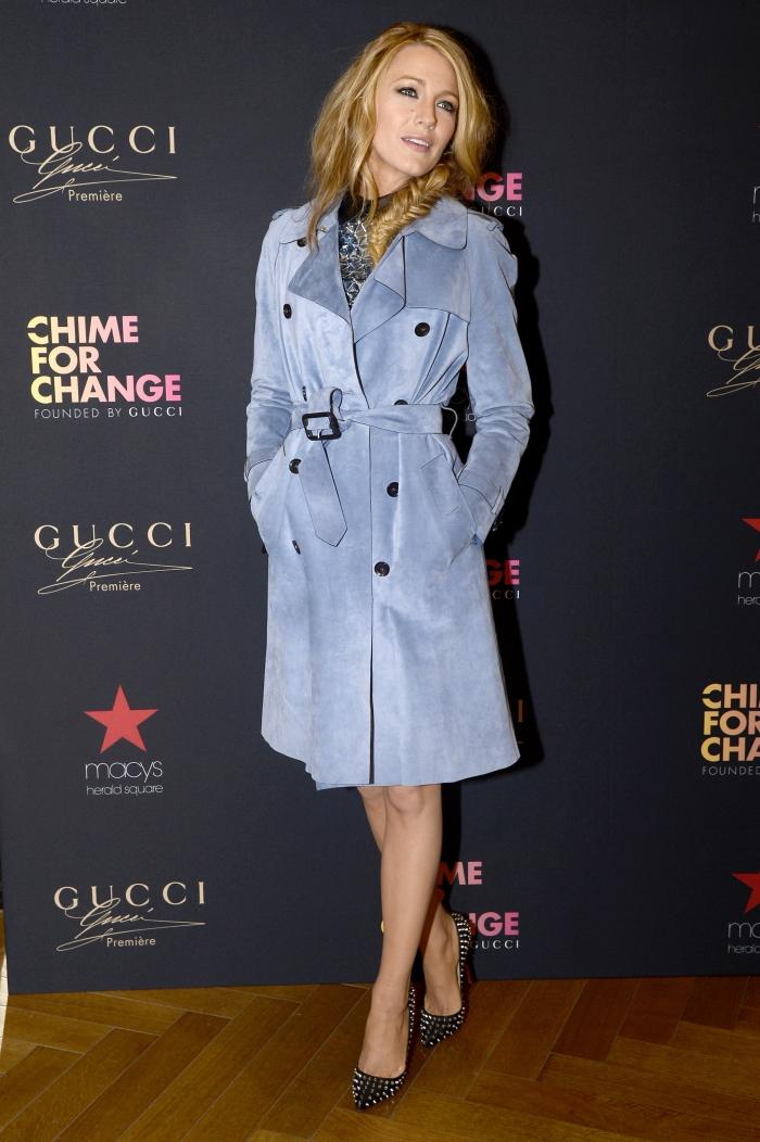 Блейк Лайвли в пальто от Gucci