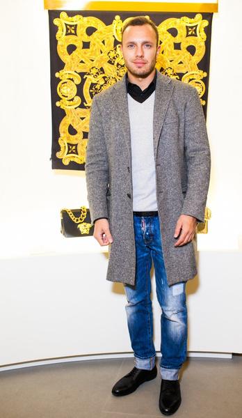 Селебрити на презентации осенней коллекции Versace | галерея [1] фото [9]
