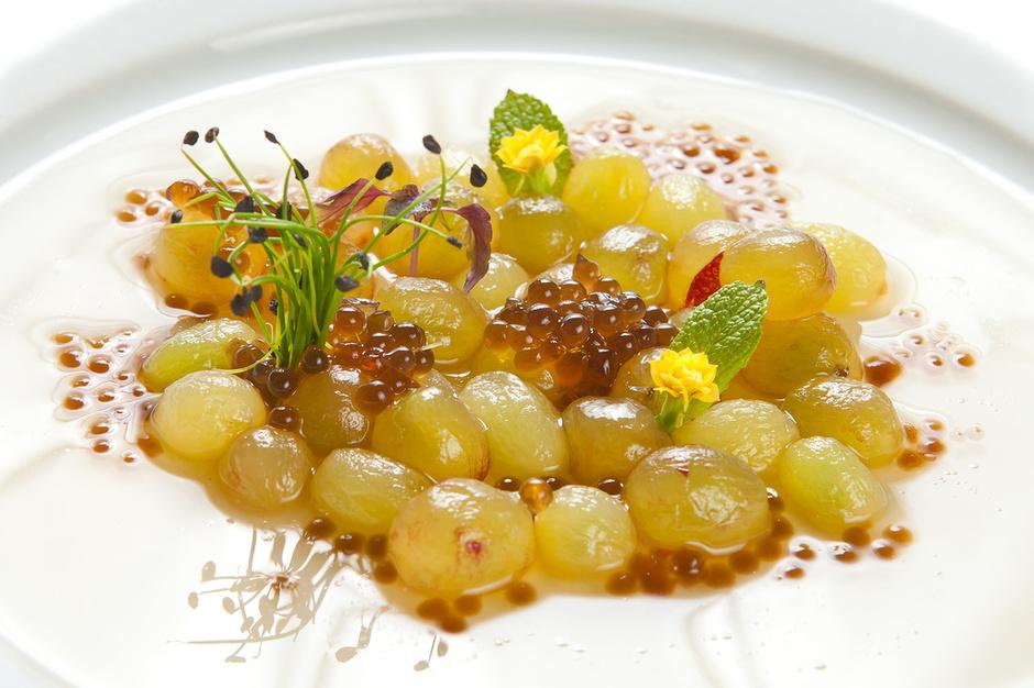Моченый виноград с икрой из грибов