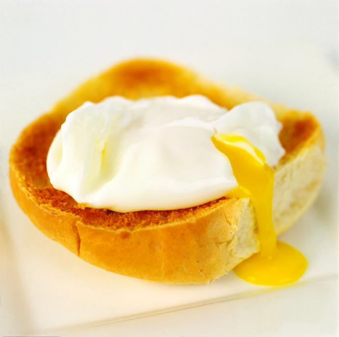 Яйцо-пашот на тосте