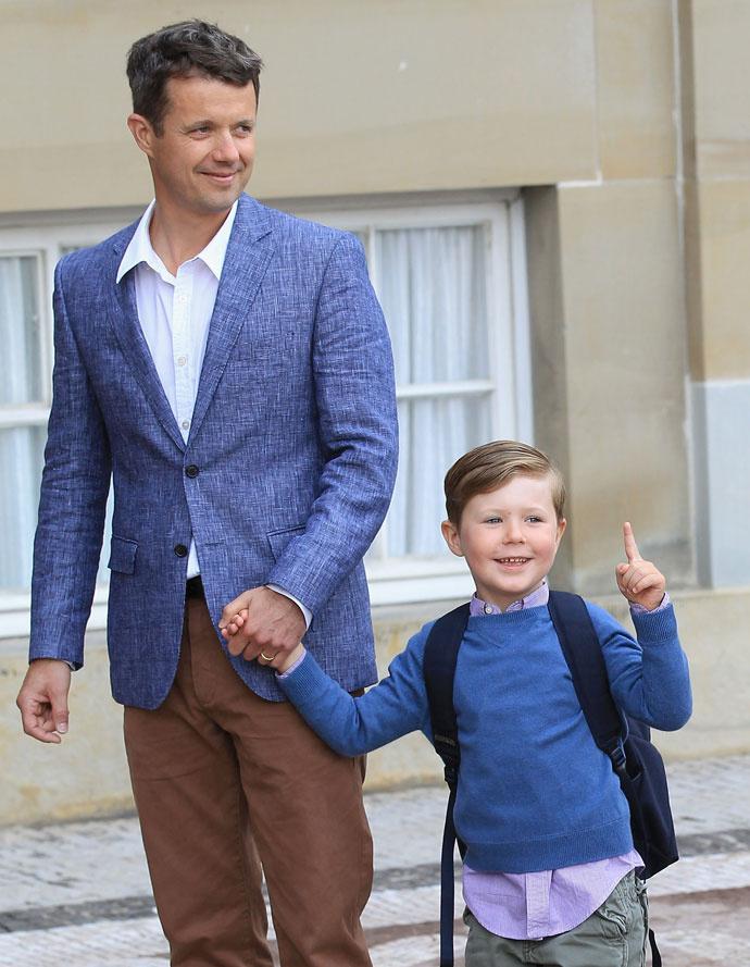 Кронпринц Фредерик с сыном Кристианом