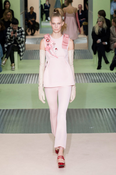 Показ Prada на Неделе моды в Милане | галерея [1] фото [2]