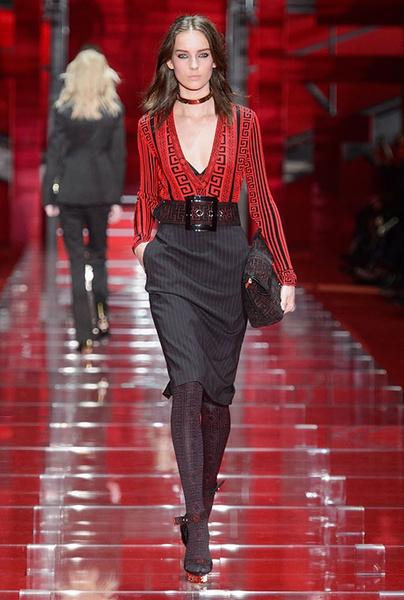 Показ Versace на Неделе моды в Милане | галерея [1] фото [2]