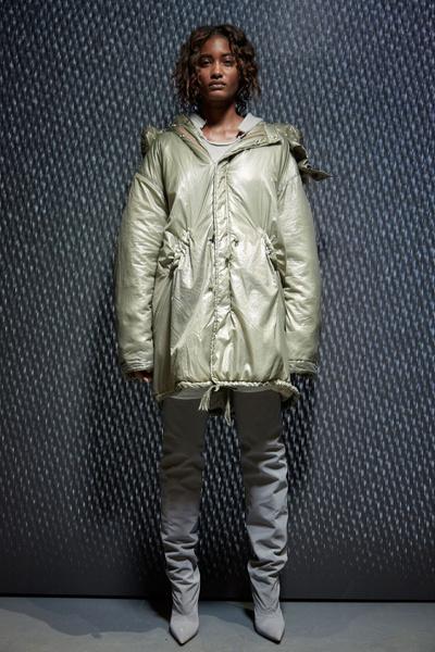 Yeezy Season 5: что нужно знать о новой коллекции Канье Уэста | галерея [1] фото [19]