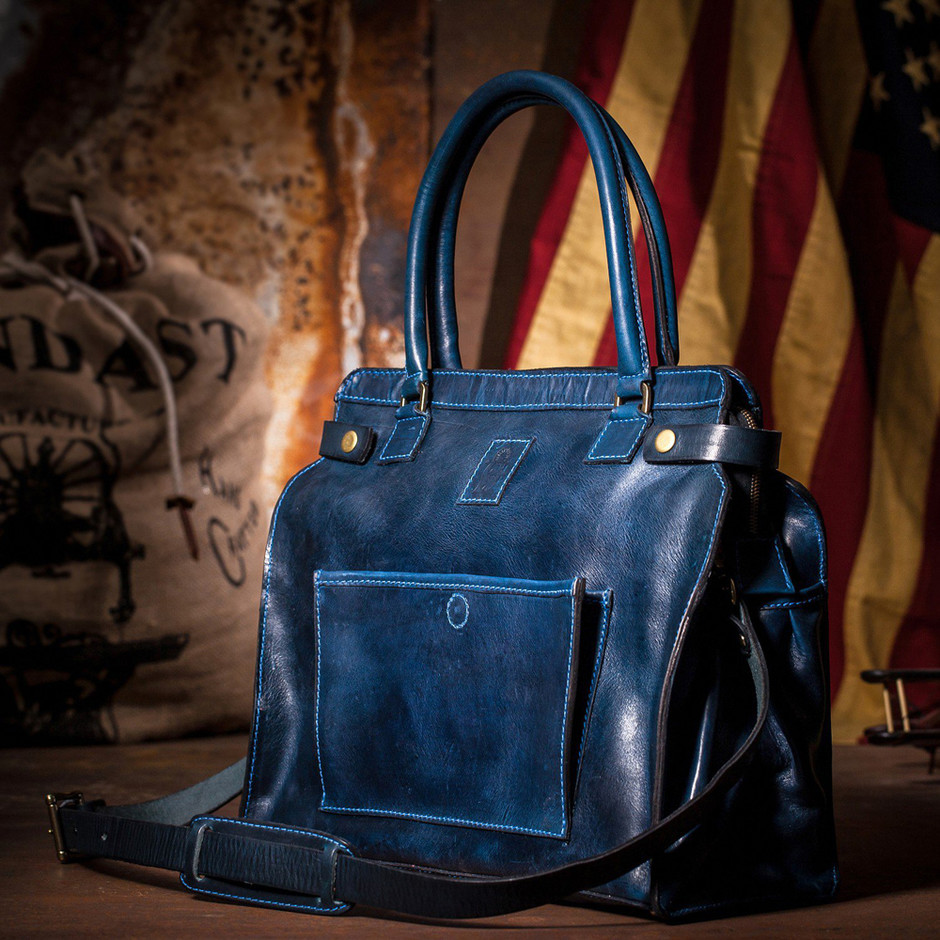 Блейк Лайвли создала сумку в честь дочки