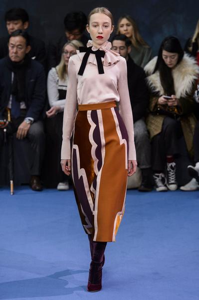 Самые красивые образы Недели моды в Лондоне | галерея [1] фото [23]