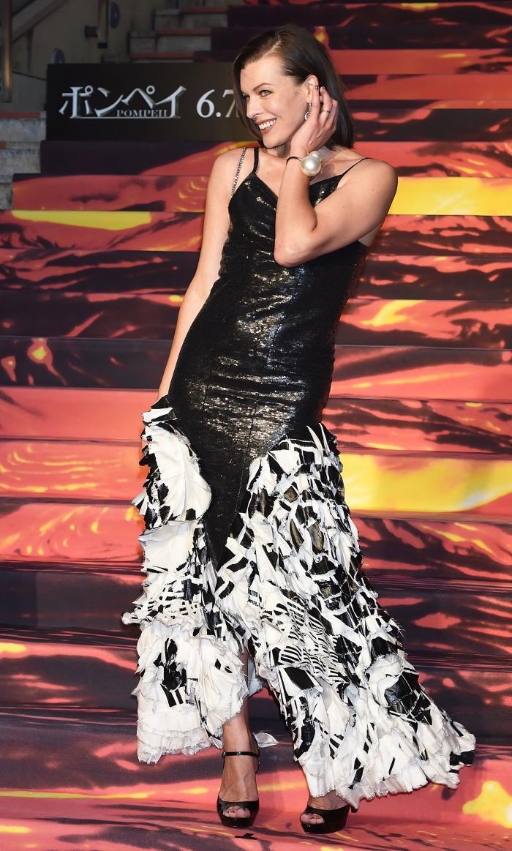 Стиль Милы Йовович: платье от Chanel