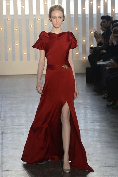 15 лучших красных платьев из осенне-зимних коллекций | галерея [1] фото [5]