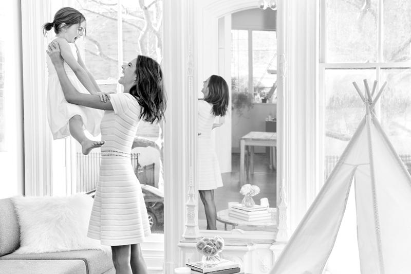 Алессандра Амбросио с дочерью снялись в проекте Michael Kors ко Дню матери