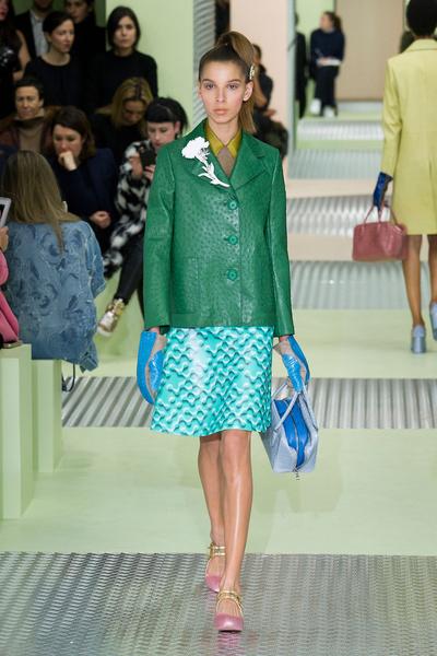 Показ Prada на Неделе моды в Милане | галерея [1] фото [10]