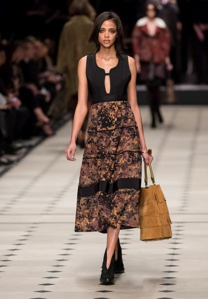 Показ Burberry Prorsum на Неделе моды в Лондоне | галерея [1] фото [23]