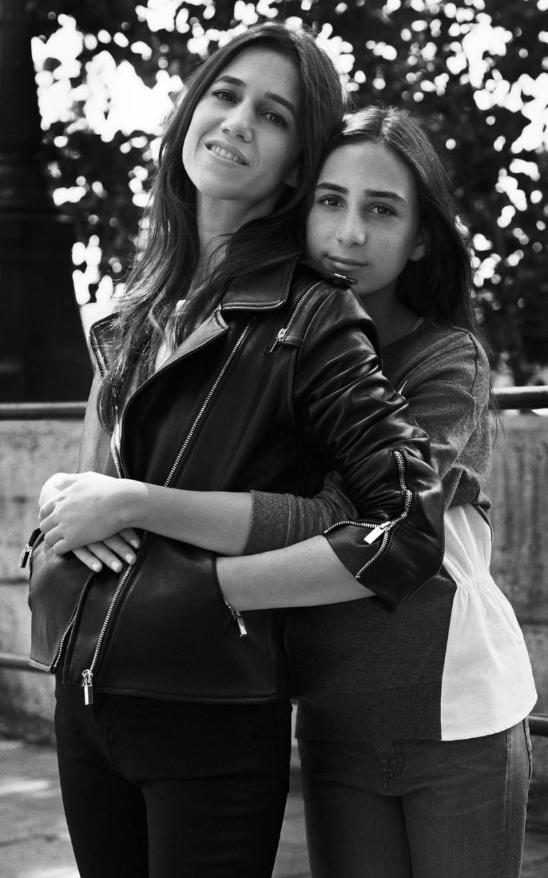 Шарлотта Генсбур с дочкой в рекламе