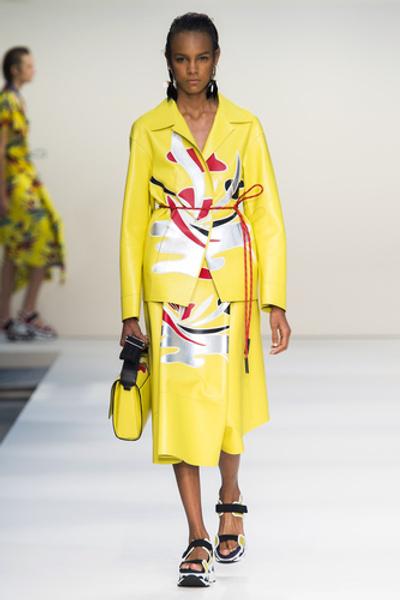 НУЖНЫЙ ТОН: Какие цвета и сочетания цветов в моде этим летом? | галерея [1] фото [5]