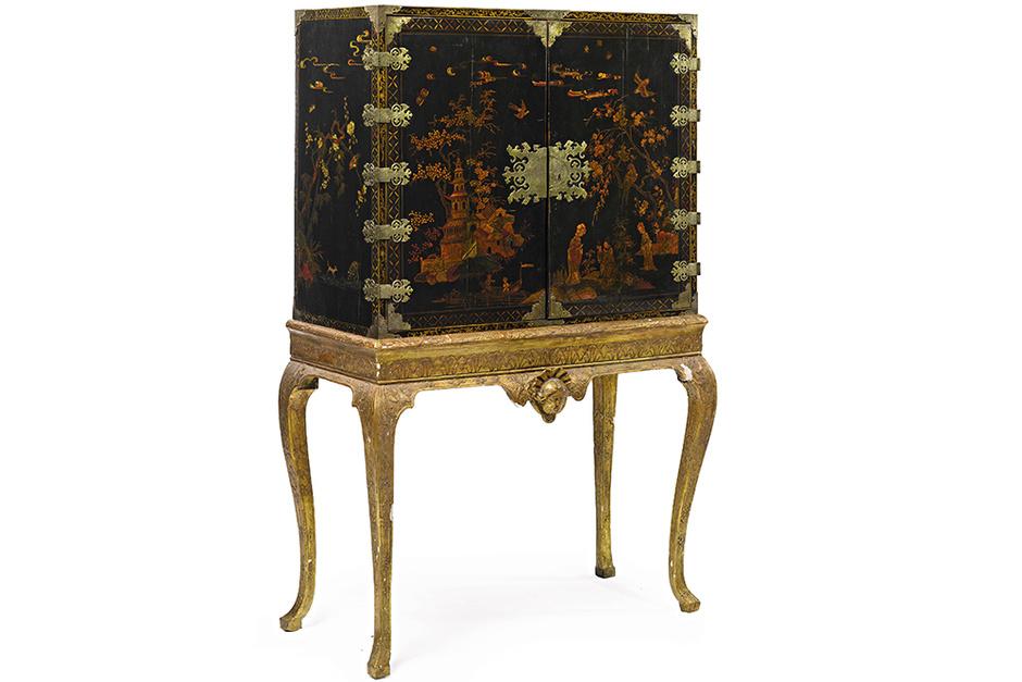 Антикварное бюро, Sotheby's.