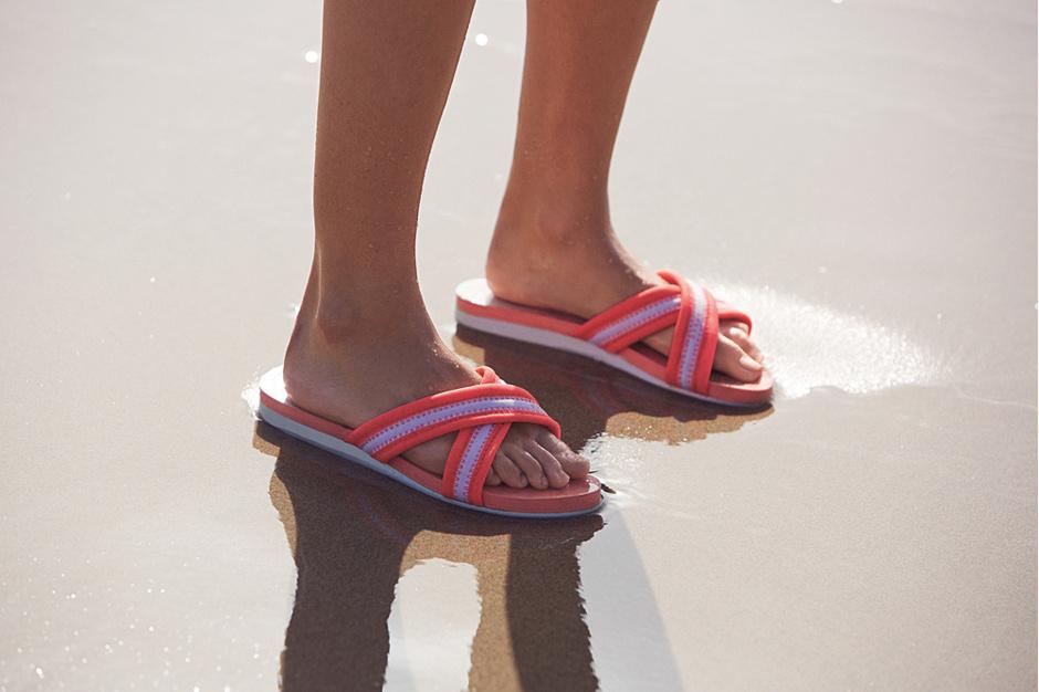Обувь на пляж