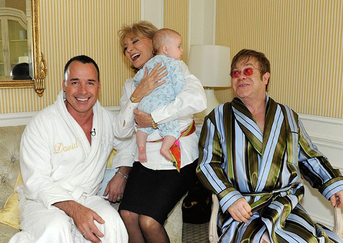 Элтон Джон с мужем Дэвидом Фернишем и их сыном