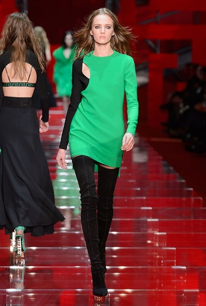 Показ Versace на Неделе моды в Милане | галерея [1] фото [21]