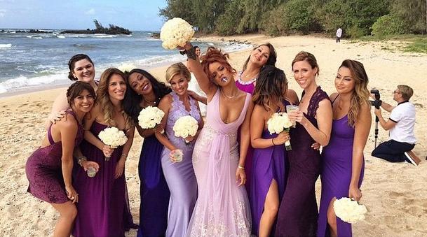 Рианна и подружки невесты