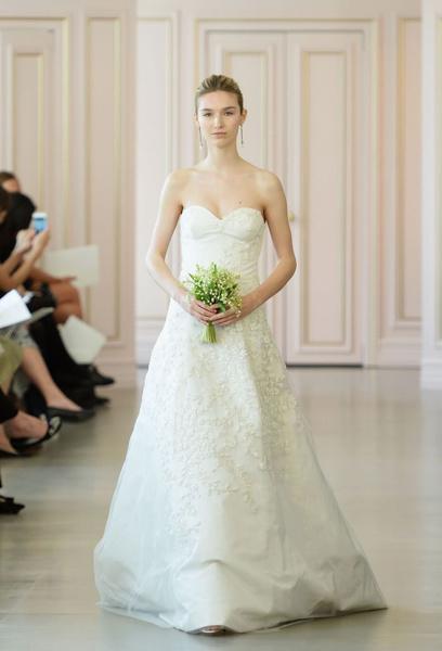 Дом Oscar de la Renta представил новую свадебную коллекцию | галерея [1] фото [15]