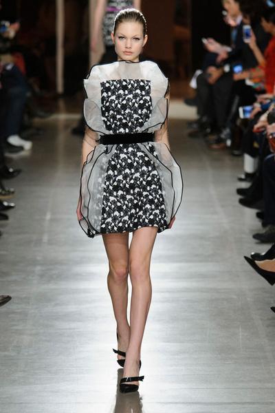 Показ Oscar de la Renta на Неделе моды в Нью-Йорке | галерея [1] фото [5]