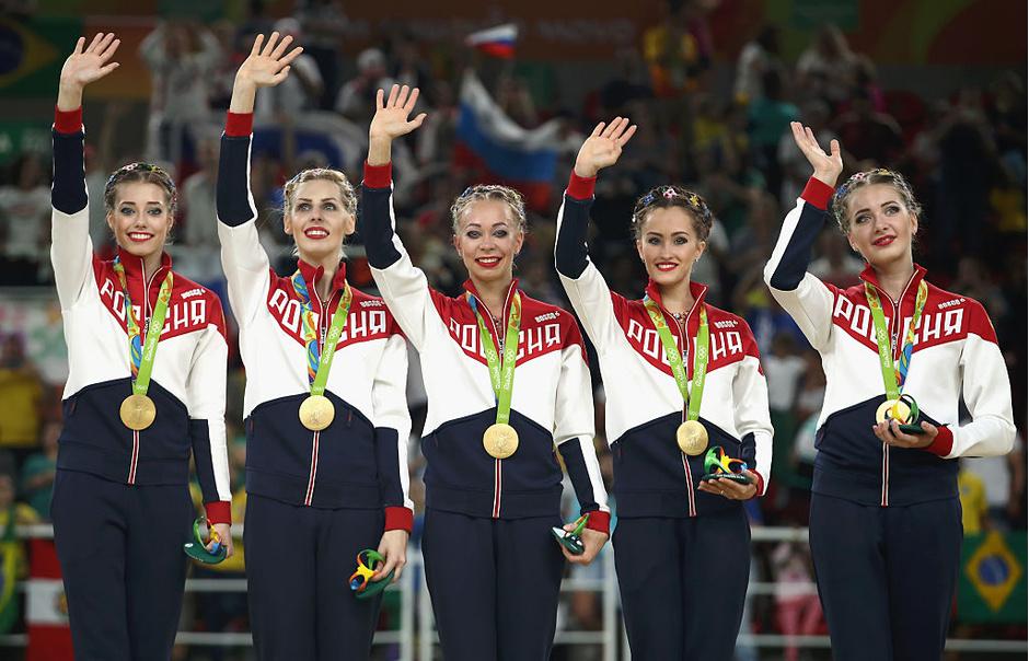 Команда России по художественной гимнастике в групповом многоборье