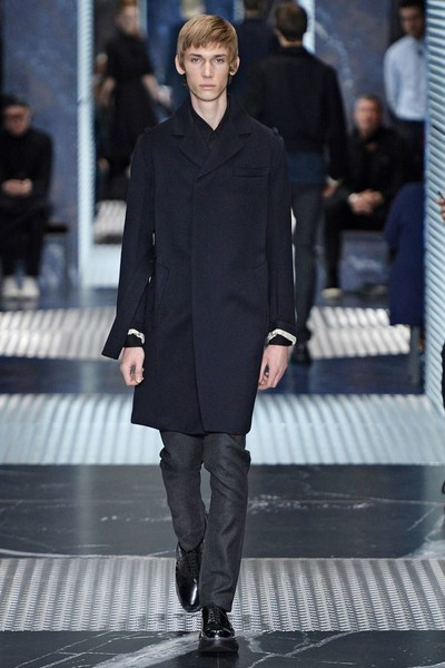Бренд Prada представил на Неделе мужской моды в Милане сразу две коллекции | галерея [2] фото [8]