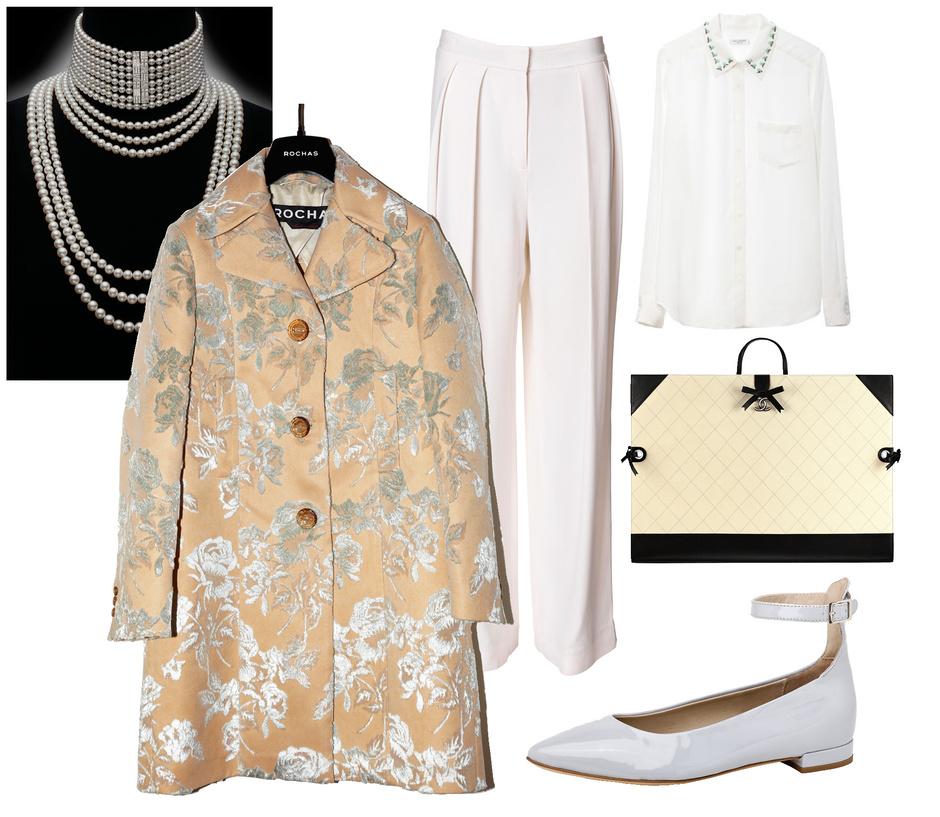 Колье Mikimoto, пальто Rochas, брюки Malene Birger, рубашка Equipment, сумка Chanel, туфли AGL, сумка Chanel