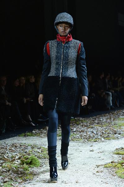 Неделя моды в Париже: показ Moncler Gamme Rouge осень-зима 2015/16 | галерея [1] фото [9]