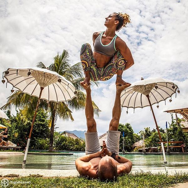 ВСТАЛА В ПОЗУ: 7 мотивирующих йога-аккаунтов | галерея [3] фото [4]